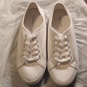 Old Navy White Sneakers 👟 NEW